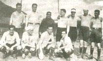 Integrantes del Llodio Club antes del comienzo de uno de sus partidos
