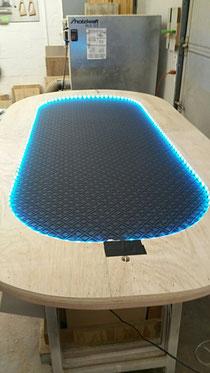 Pokertisch Stoff ist da LED montiert