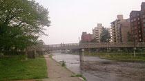 浅野川を渡ってひがし茶屋街へ。