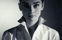 Audrey Hepburn, Vénus carré à Pluton