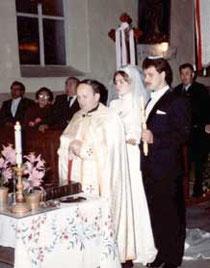 O. Kochan udziela ślubu w cerkwi w Ługach