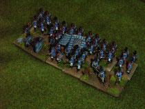 große Infanterieeinheit in taktischer Formation mit Plänkler- und Artillerie-Attachment