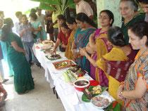 Une manifestation sur le thème « Les Aliments Oubliés du Futur » avec des recettes anciennes pour la plupart incluant des millets,  au magasin biologique   « The green Path », Bangalore, 2010.
