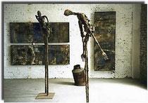 Ausstellung Tür an Tür Amador Vallina mit Titus Grab