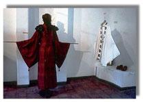 Künstlerisch gestaltete Kimonos