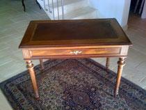 bureau de style Louis XVI
