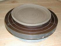 タタラで作った丸皿
