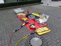 Beispiel für einen Bereitstellungsplatz der Ausrüstung bei einem Verkehrsunfall