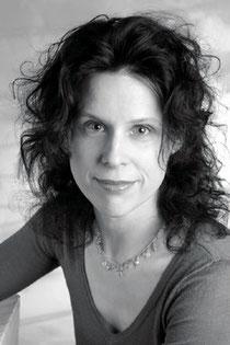 Kathrin Distler, Diplom-Cellistin und Diplom-Musikpädagogin, NLP Master (DVNLP) und Systemischer Coach