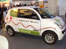 Das Stadtauto Ohne Emisionen fährt auch bei kurzen Strecken Ökologisch