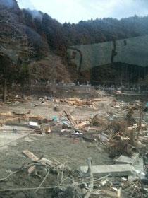 全壊した家屋
