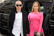 http://static.venevision.com/sites/default/files/imagecache/600x400_despliegue/jennifer-lopez-casper-smart.jpg