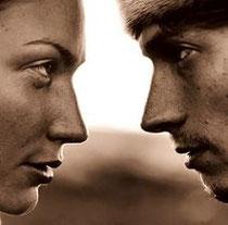 http://blogdefarmacia.com/wp-content/uploads/2011/01/hombre-mujer-hablando.jpg