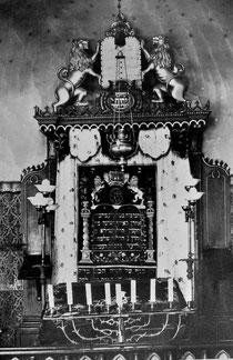 Toraschrein in der Nische an der Ostwand vor 1938. - Städtisches Museum Hechingen, alle Rechte vorbehalten!