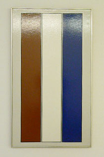 "Tadaaki Kuwayama,""brown-white-blue with chrome stripes"", 1968, liquitex on canvas, gerahmt 106,5 x 61 cm"