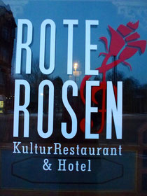 Bild: Rote Rosen - Kultur Restaurant & Hotel