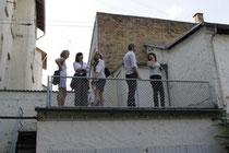 Die Gruppe auf dem Garagendach