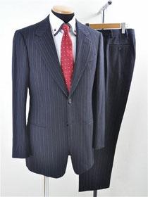 アルマーニコレッツォーニのスーツ