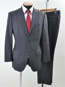バーニーズニューヨークのスーツ買取り
