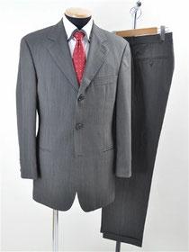 ヒューゴボスのスーツ買取り