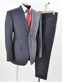 トゥモローランドのスーツ