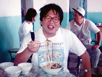 1994年、新疆ウイグル地区、将軍廟の麺店で