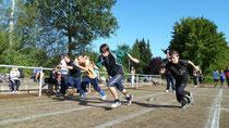 Schüler kurz nach dem Sprintstart