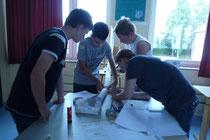 Den Schülern wurden verschiedenste Aufgaben gestellt, die sie in diesem Fall gemeinschaftlich lösen mussten.