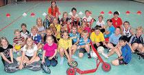 Sportliche Grundschüler: Die Kinder der Cornelia-Funke-Schule sind Profis auf den Dreirädern und Waveboards. Dreimal die Woche können sie freiwillig in der Mittagspause beim Bewegungsangebot mitmachen.