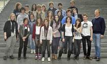 Dr. Matthias Miersch (re) mit den französischen Schülern im Reichstag - Foto: Büro Miersch