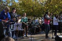 Die neue Schülerband rockt den Marktplatz