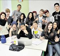 Cooler Sprechgesang: KGS-Schüler reimen mit Rapper Spax Texte über Fairness, Gewalt und Respekt. (Eggers)