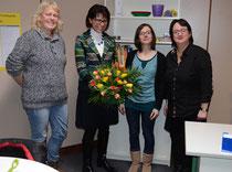 Lehrerinnen Christiane Hegemann und Verena Roth (v.re.) im neuen Besprechungsraum – Foto: JPH