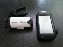 左が、SONYのGPS-CS1K。右が、ユピテルのASG-CM12。