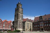 Coesfeld gemeentehuis en kunstwerk Lambertikirche