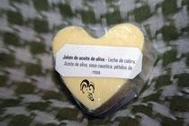 Jabón corazón aceite oliva y pétalos rosa