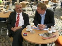 Im Gespräch mit Dr. Wilhelm Priesmeier MdB / Foto: Ulf Dammann