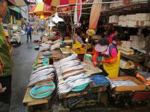 釜山は健康食ブームで魚料理は大人気