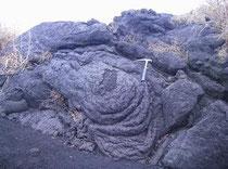 磁気旺盛な玄武岩質マグマ