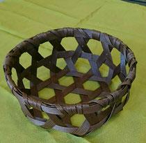 クラフトバンドで作る 六編みかご