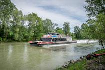 Twin-City Liner im Donaukanal