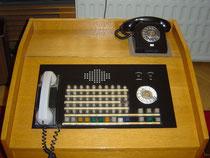 Ließ sich abschalten: Telefonanlage Erich Mielkes. (Foto: Volker Plass, CC)