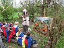 animation pédagogique maternelle au chateau d'Eaucourt, le dragon en puzzle géant