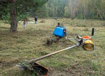 Biotoppflege bei schönstem Herbstwetter am Trebelberg -   Foto: W. Ewert