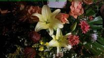 お祝いの素敵な花
