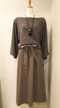 ギャザーロングスカートとたっぷりセーター
