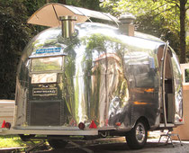 "Gastro-Airstream, Model ""Bambi"""