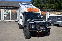 Unser Land Rover Defender TD4 2.2 mit Azalai Kabine ist bereit.