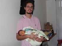 Nicolas à la maternité avec Matiline