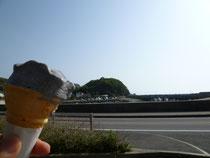 黒ゴマアイスクリーム